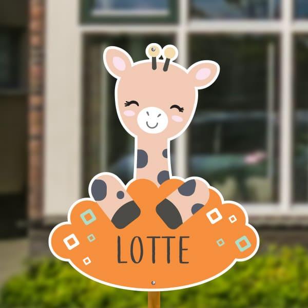 Geboortebord voor in de tuin - Giraffe met vierkantjes - Oranje