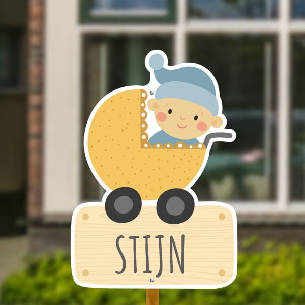 Geboortebord voor in de tuin - Kinderwagen met baby jongen - Geel