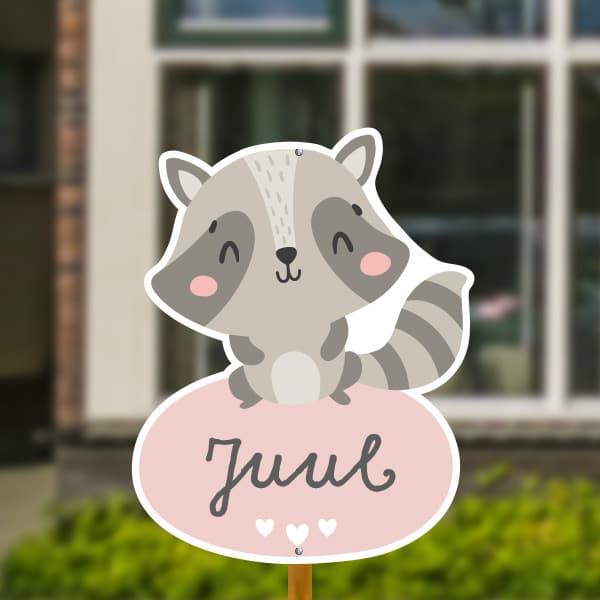 Geboortebord voor in de tuin - Wasbeer met hartjes - Bruin