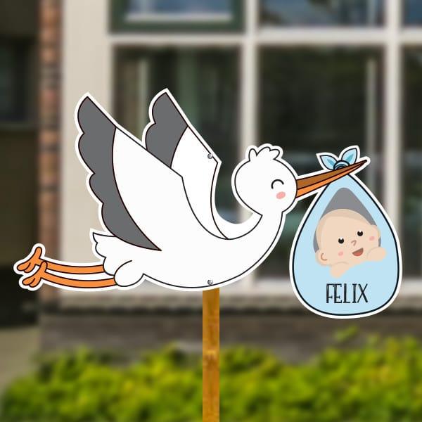 Geboortebord voor in de tuin - Vliegende ooievaar met baby - Lichtblauw