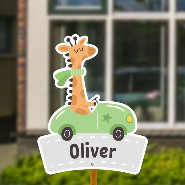 Geboortebord voor in de tuin - Giraffe in auto - Groen