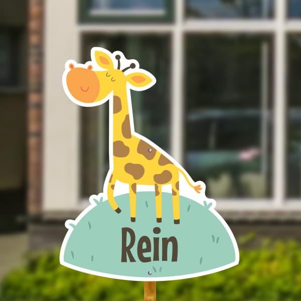 Geboortebord voor in de tuin - Giraffe op het gras - Mintgroen