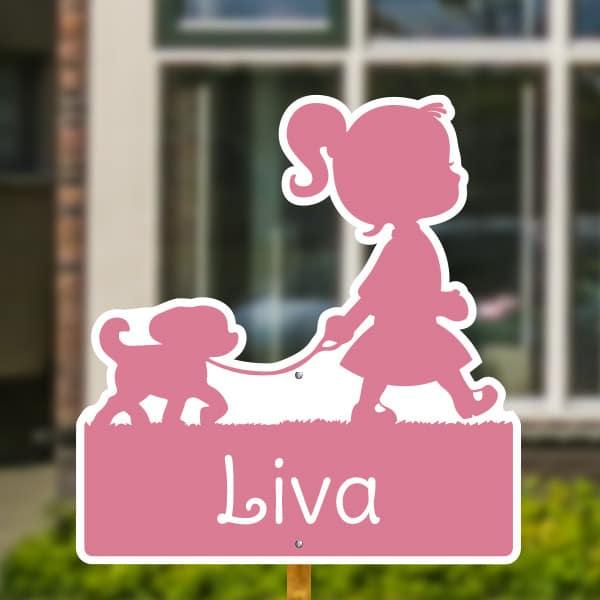 Geboortebord voor in de tuin - Meisje met hondje - Roze